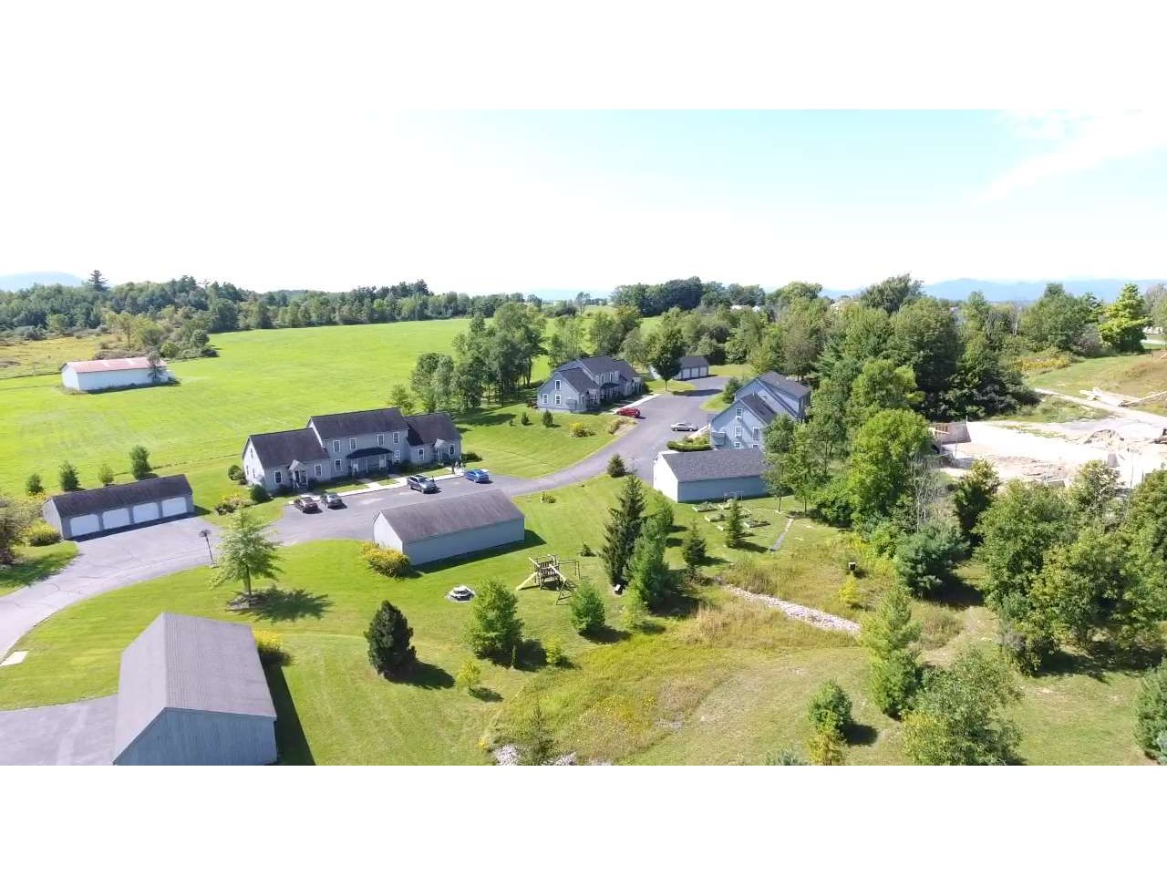 10 B Country Commons, Vergennes