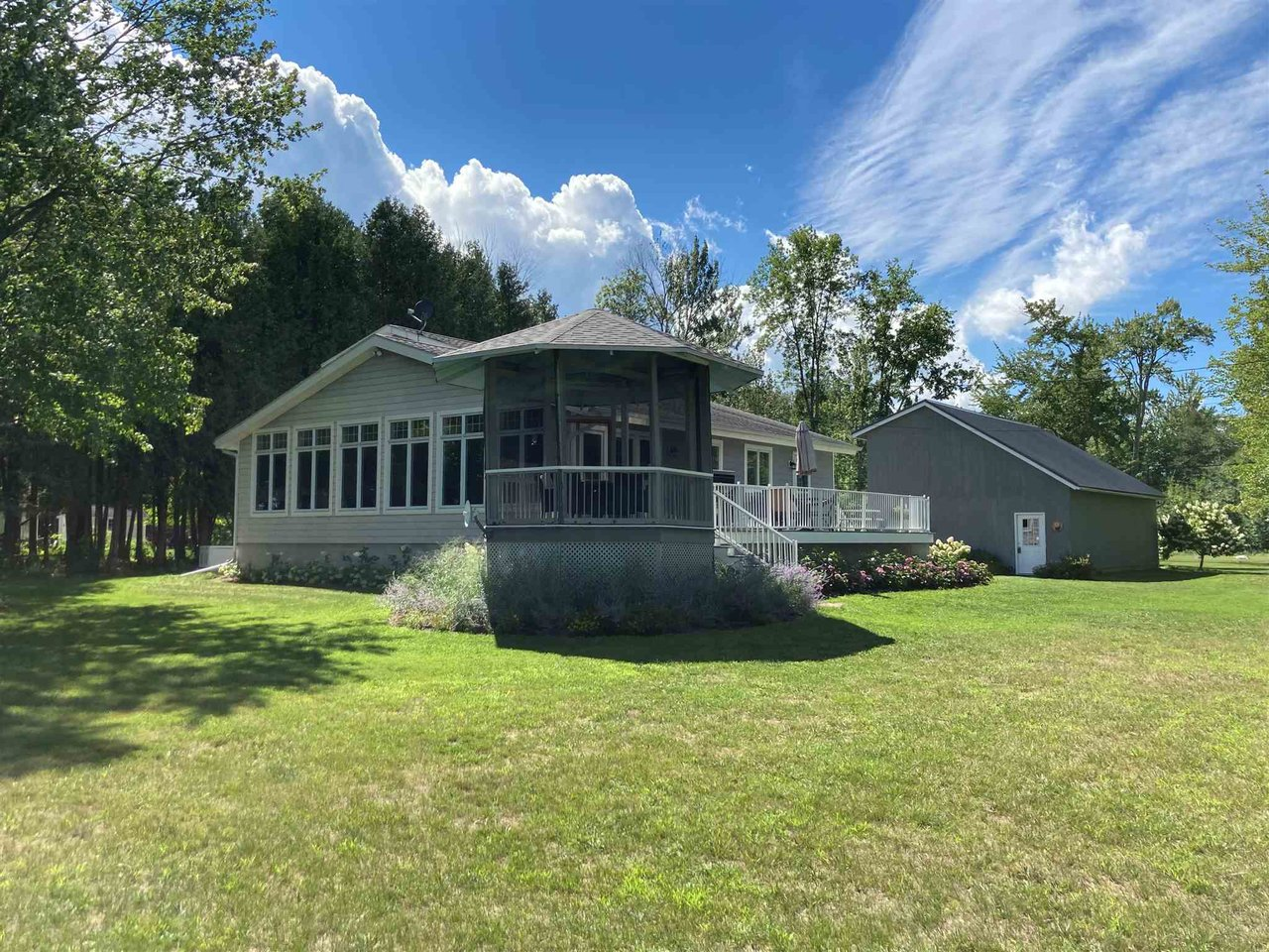 1028 Holiday Point Road, North Hero
