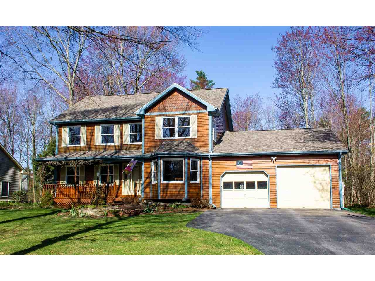 Sun-Filled 4BR/2.5BA Lang Farm Colonial