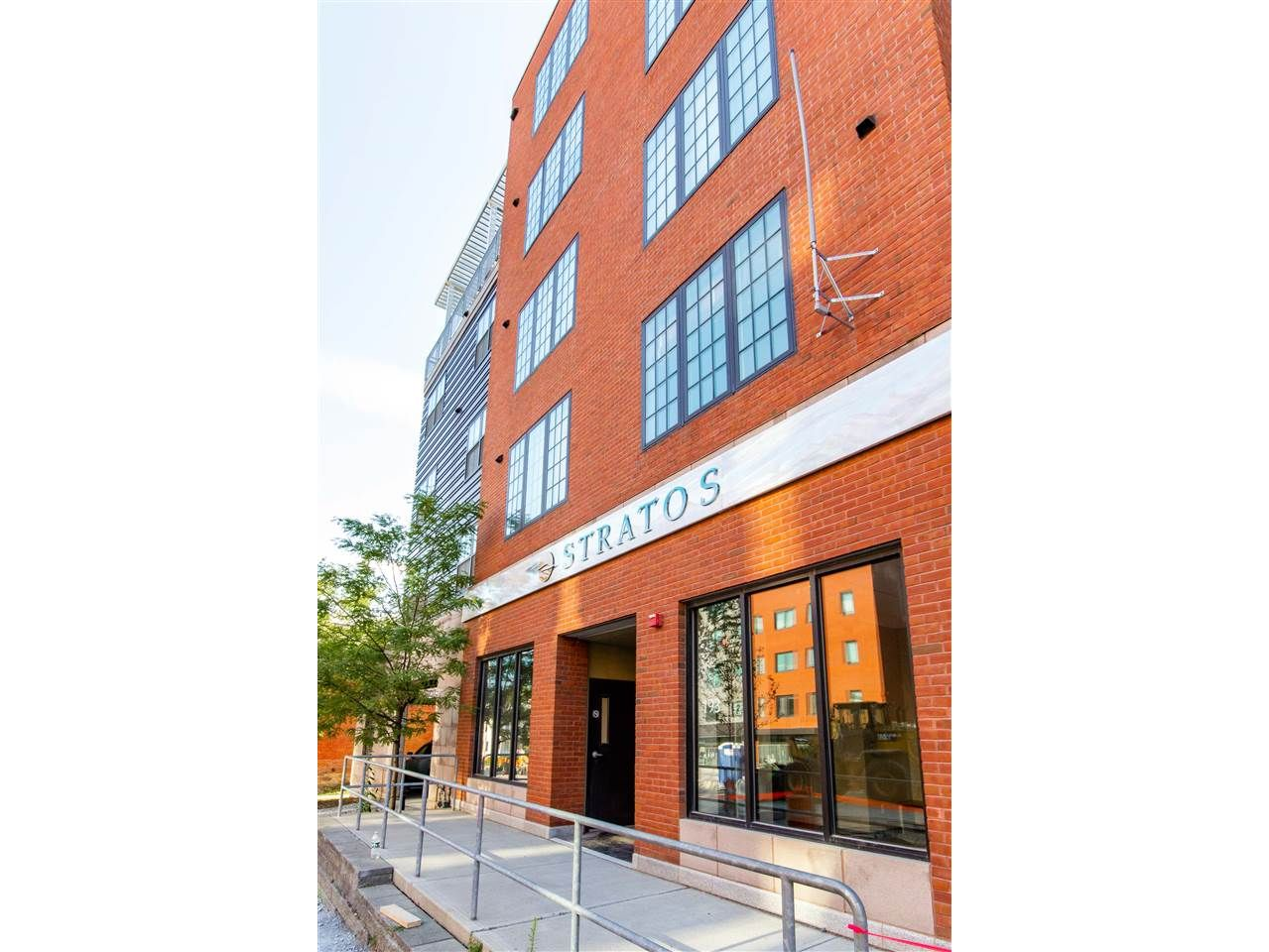 Luxury Condo Living in the heart of Downtown Burlington!
