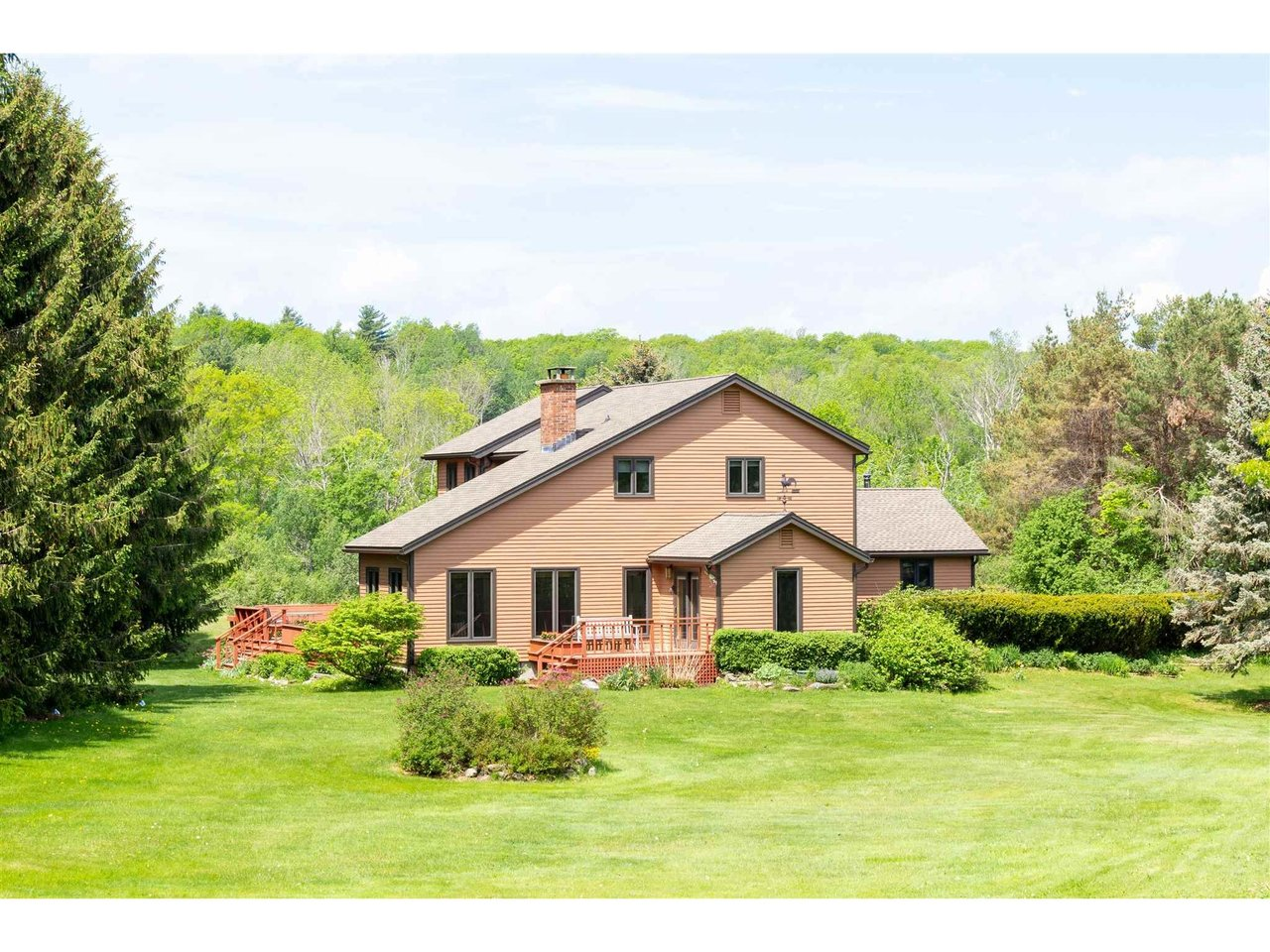 2320 Oak Hill Road, Williston
