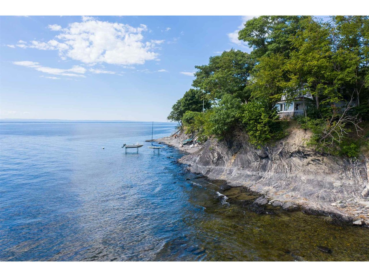 410 Appletree Point Road, Burlington