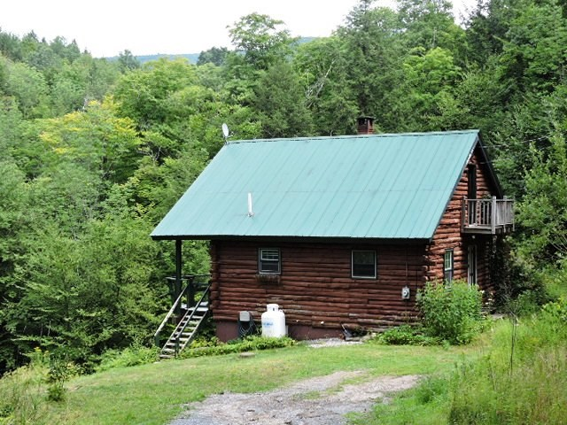 Vermont Log Cabins for Sale | Coldwell Banker Hickok