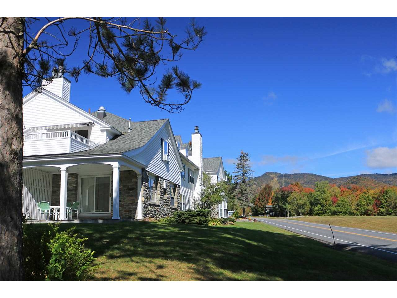 6047 Mountain Road, Stowe