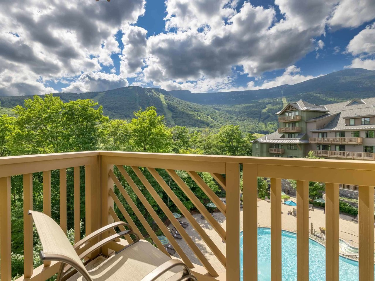 7412 Mountain Road, Stowe