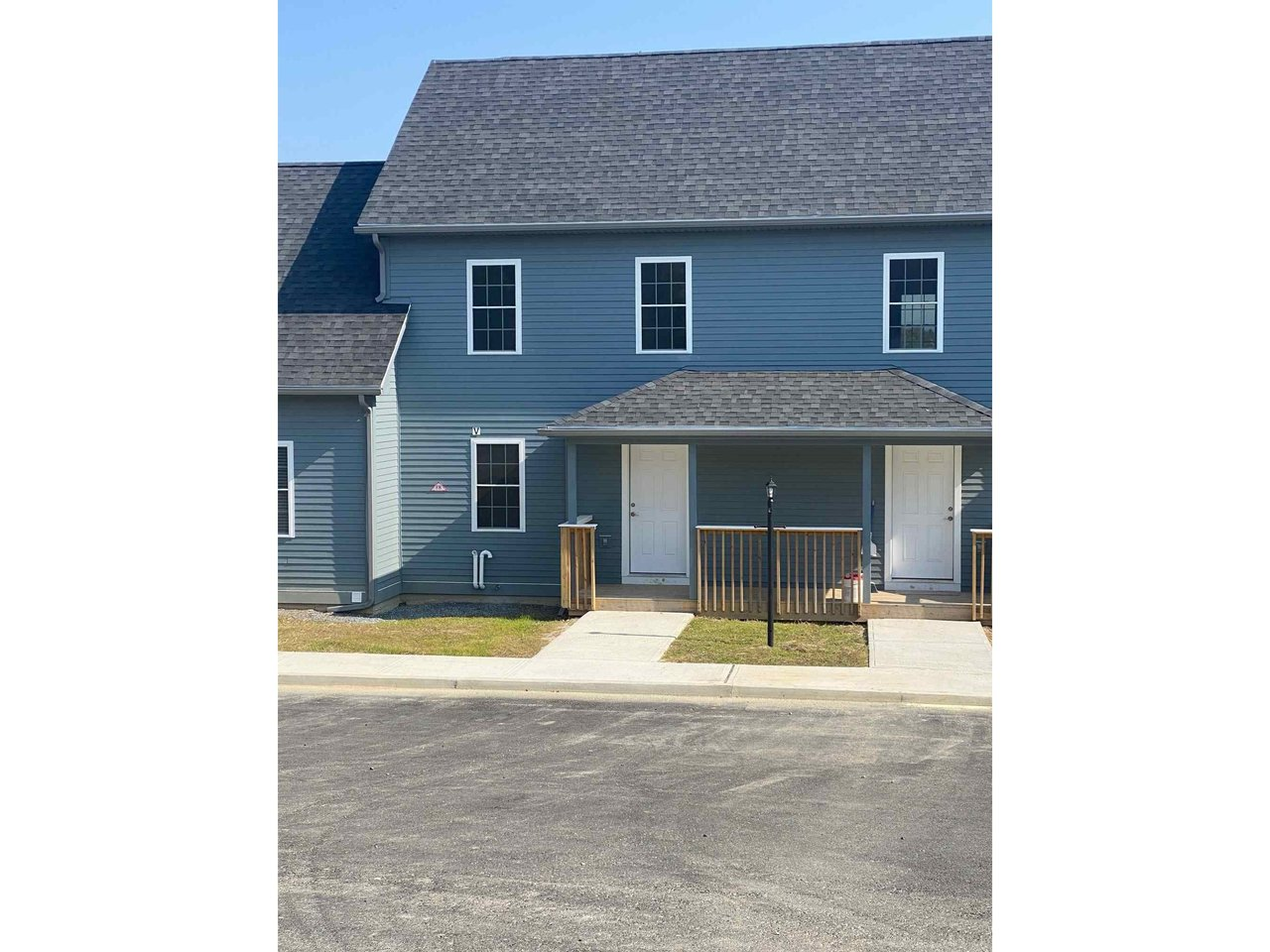 9 B Country Commons, Vergennes