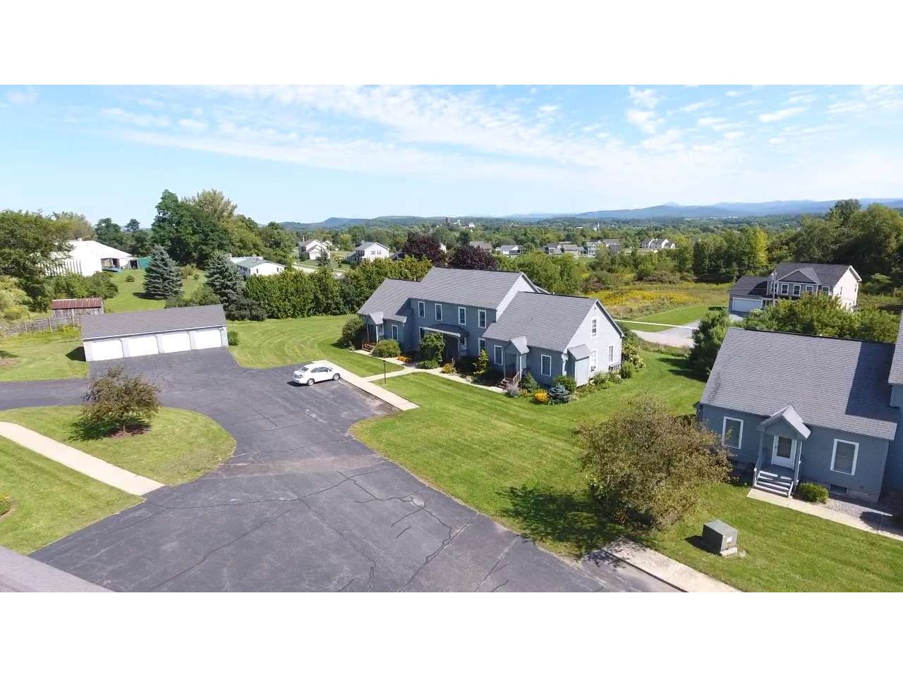 9A Country Commons, Vergennes