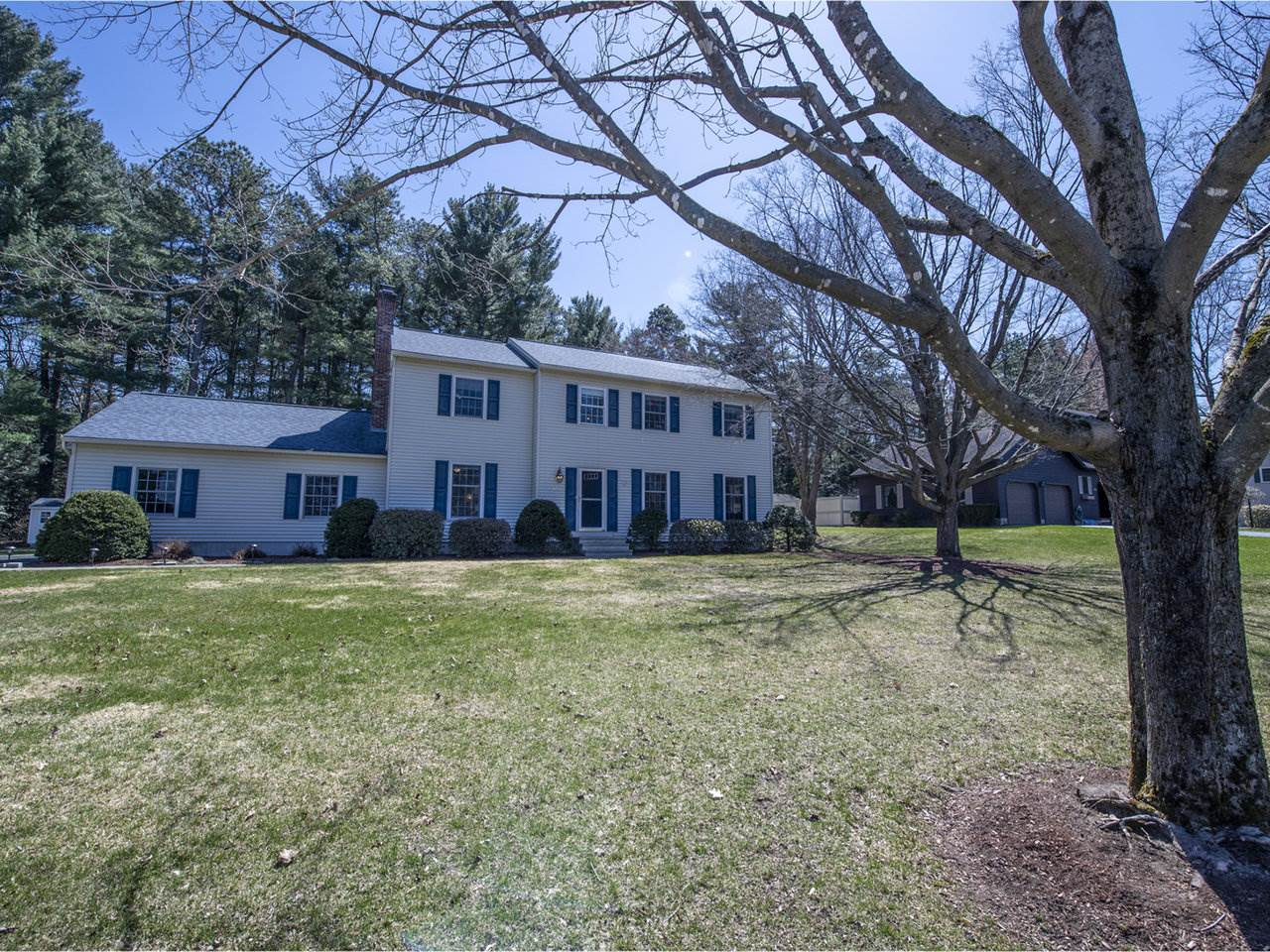 458 South Bay Circle, Colchester